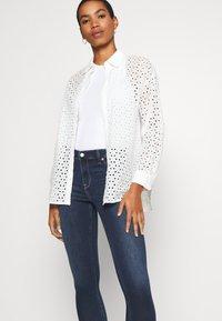 Abercrombie & Fitch - DARK CLEAN - Jeans Skinny Fit - indigo - 3