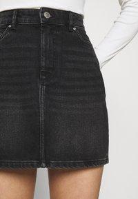 ONLY - ONLROSE LIFE ASHAPE SKIRT - Mini skirt - black denim - 3