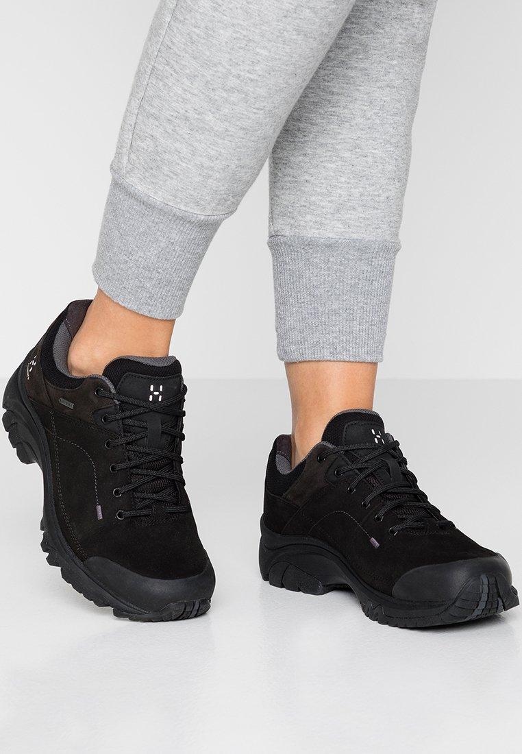 Haglöfs - HIKINGSCHUH RIDGE GT WOMEN - Hiking shoes - true black