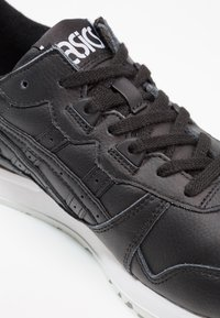 ASICS - GEL-LYTE - Trainers - black - 5