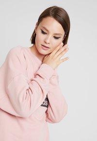 adidas Originals - RETRO LOGO PULLOVER - Sweatshirt - pink spirit - 3