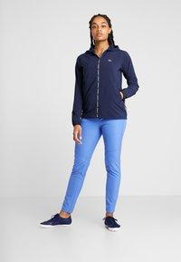 Lacoste Sport - Veste coupe-vent - navy blue/white - 1