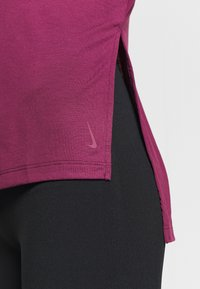 Nike Performance - DRY LAYER  - Sports shirt - villain red/shadowberry - 5