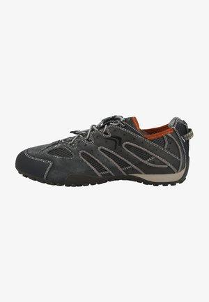 SNAKE - Sneakersy niskie - grey/taupe