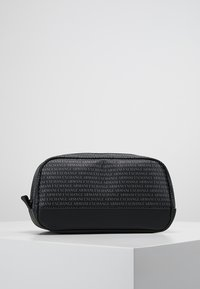 Armani Exchange - Wash bag - black - 0
