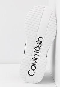 Calvin Klein - UDA - Høye joggesko - black - 6