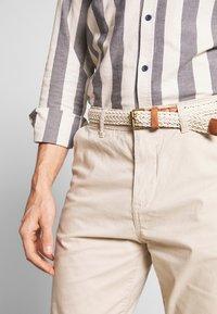 Esprit - Shorts - light beige - 4