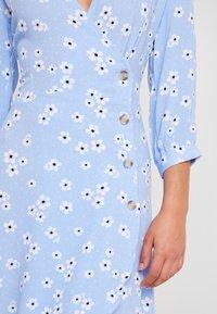 Monki - TORYN DRESS - Shirt dress - blue dusty light - 6