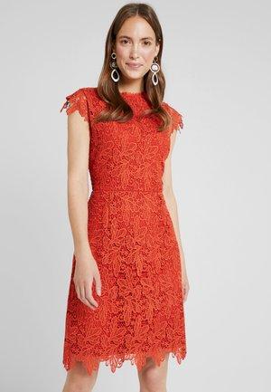 Koktejlové šaty/ šaty na párty - spicy red