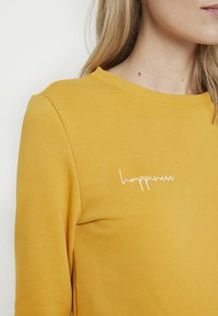 Paula Janz Maternity - HAPPINESS - Sweatshirt - yellow - 5