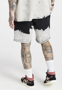 SIKSILK - BLEACH WASH AOKI - Shorts - black/white - 2