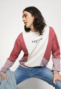 Tommy Jeans - SIMON SKINNY - Flared Jeans - denim - 3