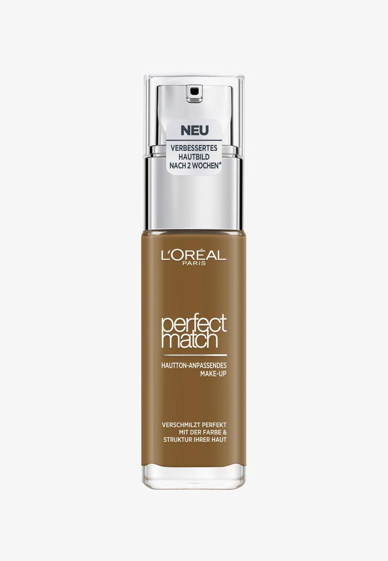 L'Oréal Paris - PERFECT MATCH MAKE-UP - Foundation - 9.5w mohagany