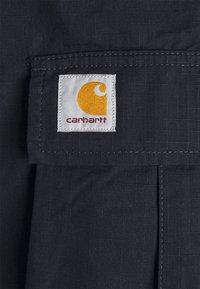 Carhartt WIP - REGULAR CARGO COLUMBIA - Shorts - dark navy rinsed - 5