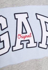 GAP - ORIGINAL CREW - Bluza - grey heather - 2