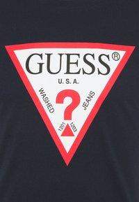 Guess - ORIGINAL LOGO - T-shirt z nadrukiem - blue navy - 5