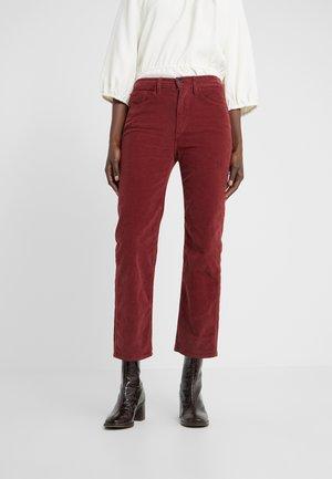 AUSTIN CROP - Bootcut jeans - crimson
