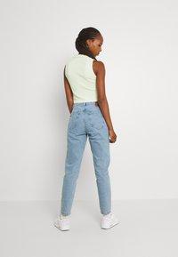 ONLY - ONLJAGGER LIFE HIGH MOM ANKLE - Jeans Tapered Fit - light blue denim - 2