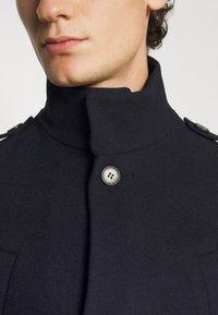 Isaac Dewhirst - FUNNEL COAT - Classic coat - dark blue - 5