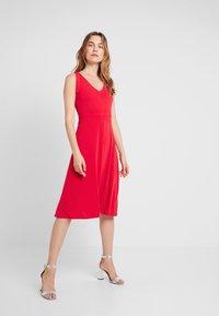 mint&berry - Jersey dress - goji berry - 2