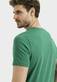 camel active - Print T-shirt - jungle green - 4
