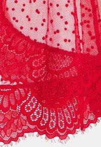 Ann Summers - THE BOUDOIR BABYDOLL - Pyjama set - red - 3
