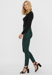 Vero Moda - Leggings - Trousers - pine grove - 3