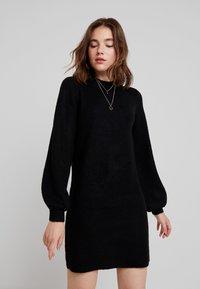 Object - OBJEVE NONSIA - Pletené šaty - black - 0