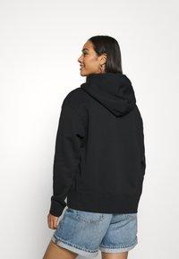 Nike Sportswear - HOODIE TREND - Felpa con cappuccio - black/white - 2