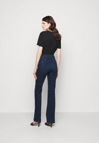 Patrizia Pepe - PANTALONI TROUSERS - Flared Jeans - washed blue - 2