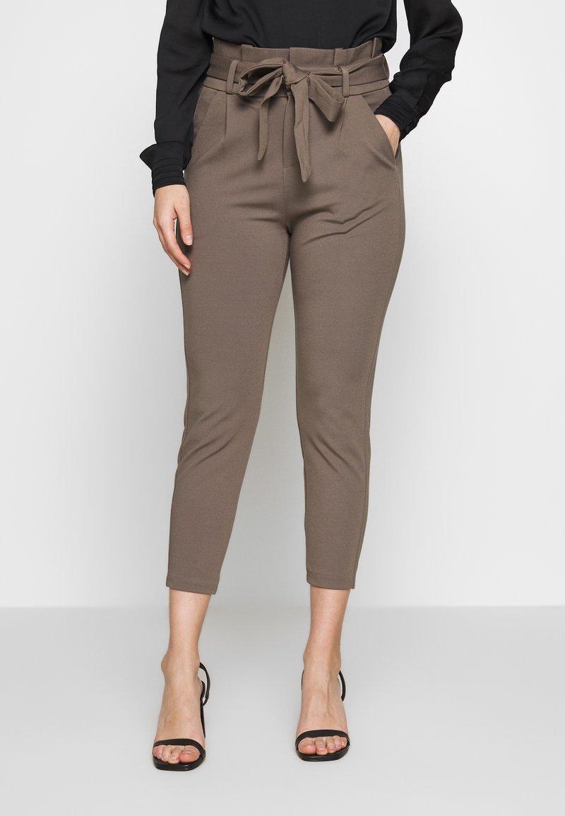 Vero Moda Petite - VMEVA LOOSE PAPERBAG PANT - Trousers - bungee cord