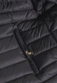 Tommy Hilfiger - ESSENTIAL - Down jacket - black - 6