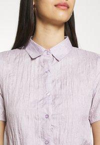 Missguided - BUTTON DOWN SHIRRED SHIRT DRESS - Shirt dress - lilac - 5