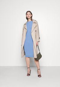 4th & Reckless - LUNA DRESS - Pletené šaty - blue - 1