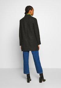 Vero Moda - VMBRUSHEDKATRINE  - Krótki płaszcz - dark grey melange - 2