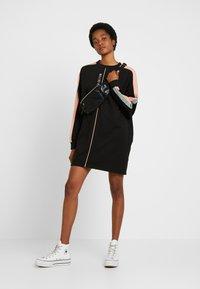 Missguided - OVERSIZED SWEATER DRESS BLOCK - Vestito estivo - black - 2