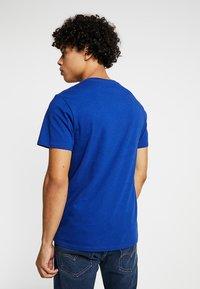 Levi's® - GRAPHIC SET-IN NECK 2 - Print T-shirt - sodalite blue - 2