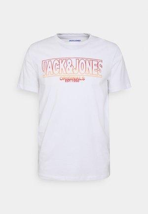 CREW NECK - T-shirt z nadrukiem - white