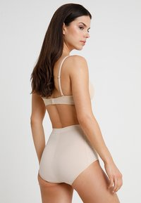 Maidenform - FIRM FOUNDATIONS TAME YOUR TUMMY BRIEF - Shapewear - nude - 2