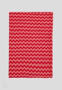 s.Oliver - MIT PRINTMUSTER - Snood - red waves aop - 2