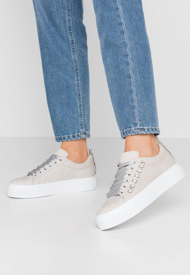 BIG - Sneakersy niskie - sasso/weiß