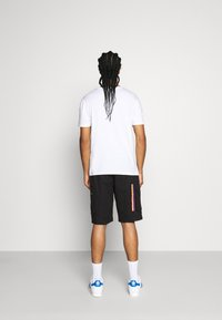 adidas Originals - ADPLR CARGO SPORTS INSPIRED SHORTS - Shorts - black - 2