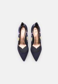Ted Baker - ERIINO - Classic heels - navy - 5