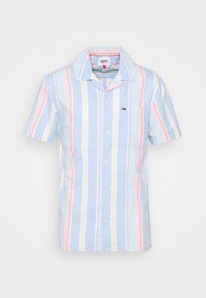 STRIPE SHIRT - Shirt - light powdery blue