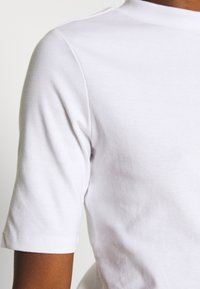 edc by Esprit - CORE HIGH - Basic T-shirt - white - 4