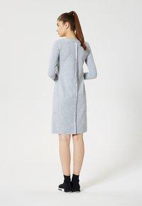 Talence - Vestito di maglina - gris mélangé - 2