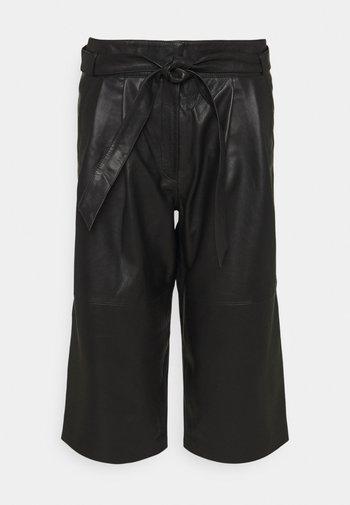 CROPPED - Shorts - black