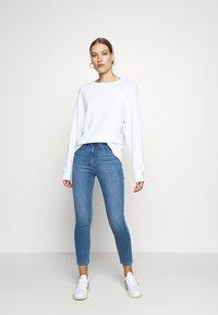 Madewell - ROADTRIPPER CROP - Jeans Skinny Fit - iberia - 1