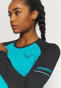 Dynafit - ALPINE PRO TEE - Sports shirt - black out ocean - 3