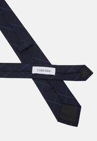Calvin Klein - LARGE NETTED GRID TIE - Tie - navy - 2
